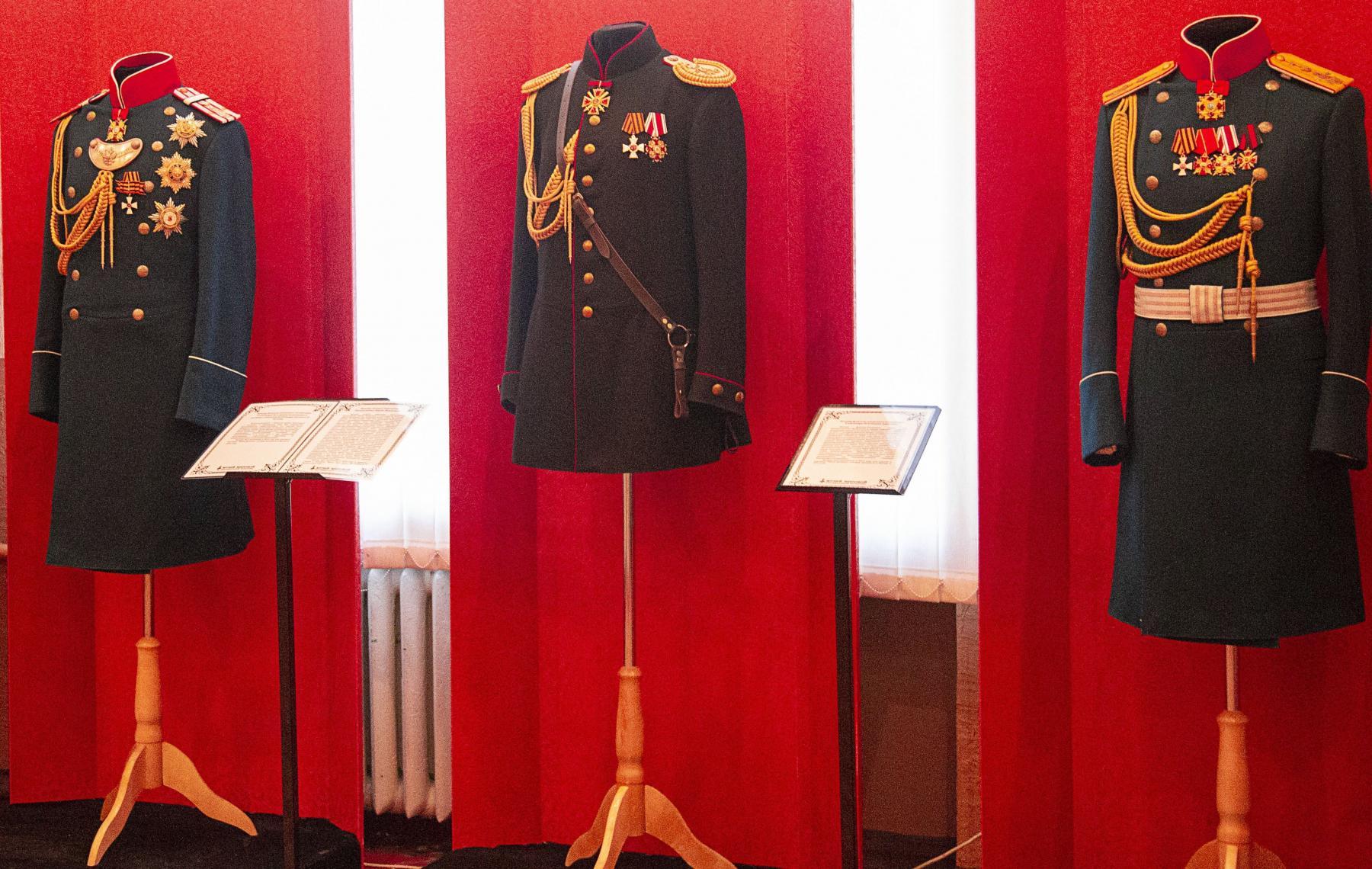 фото В Новосибирске открыли выставку о правдивой истории Российской Империи 6