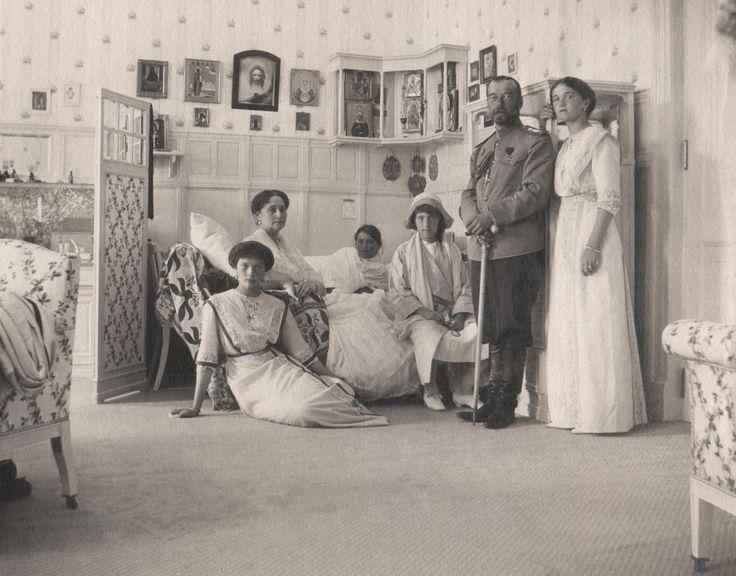 фото В Новосибирске открыли выставку о правдивой истории Российской Империи 3