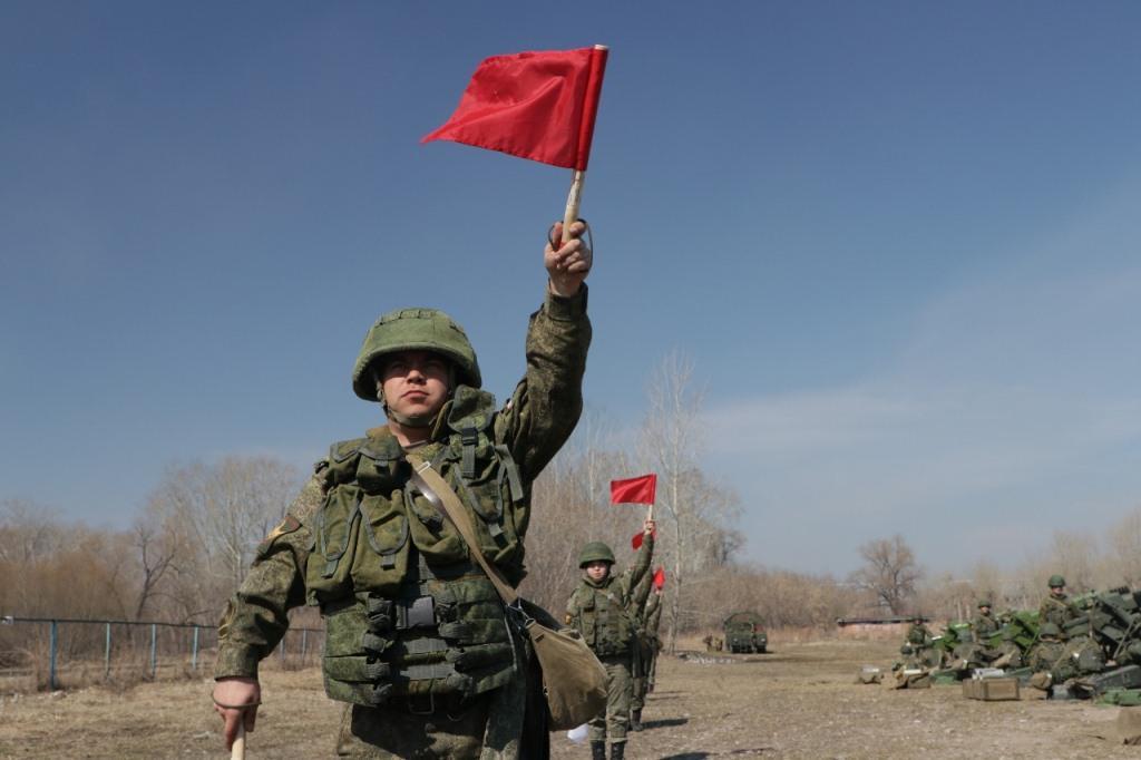 фото Военные устроили пальбу на пляже «Наутилус» в Новосибирске 2