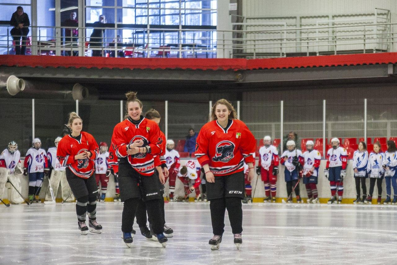 Фото Лучшие хоккеистки Новосибирской области остались без билетов на всероссийский финал 2