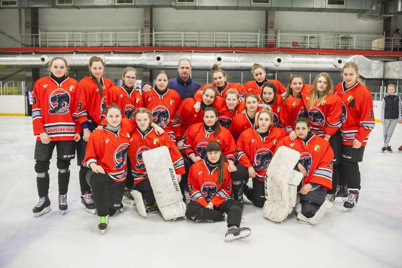 Фото Лучшие хоккеистки Новосибирской области остались без билетов на всероссийский финал 3