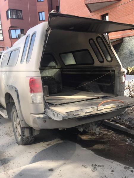 фото Хотели спалить «Тундру»: в Новосибирске на дорогой иномарке нашли зажигательное устройство 3