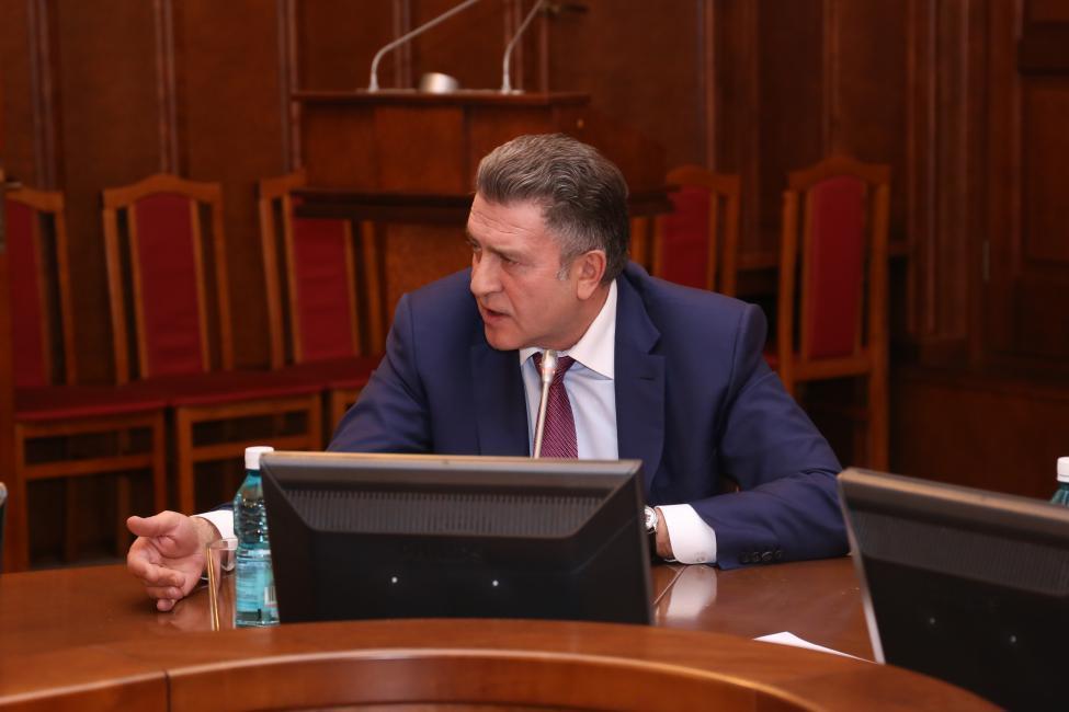 Фото Где сдать анализ и кто отвечает за информирование населения: депутаты Заксобрания Новосибирской области получили ответы о коронавирусе 3