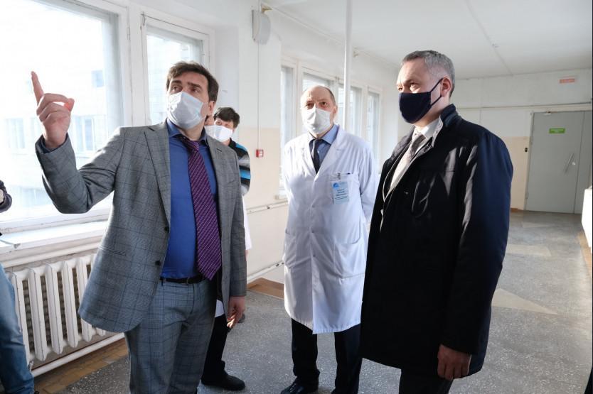фото «Тараканы пешком ходят»: новосибирец рассказал об условиях в госпитале для больных коронавирусом 3