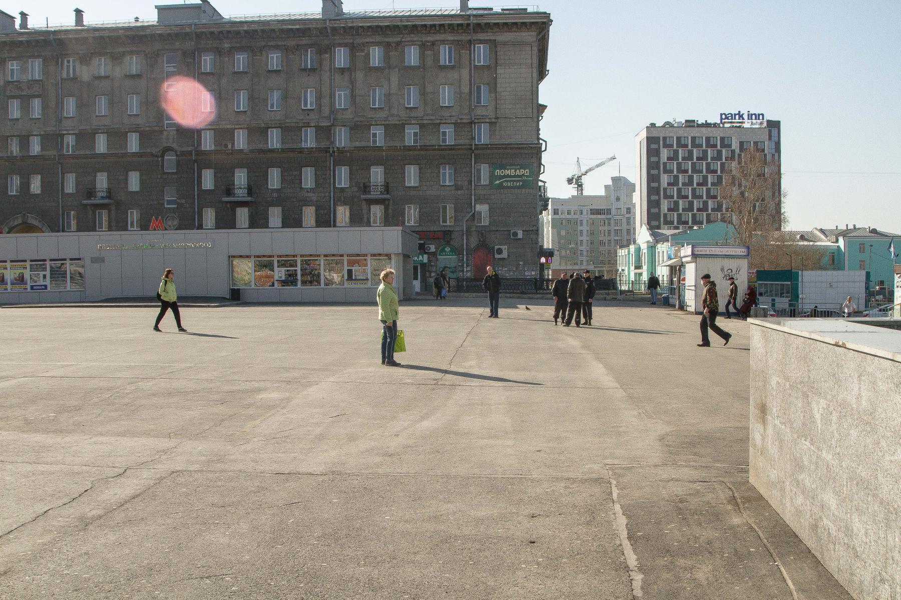 фото Неудержимая тяга к земле: новосибирцы массово устремились на дачи вопреки просьбам мэра и губернатора 4