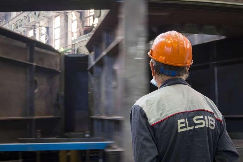 фото Новосибирский завод «ЭЛСИБ» увеличивает не только выручку, но и зарплату персоналу 5