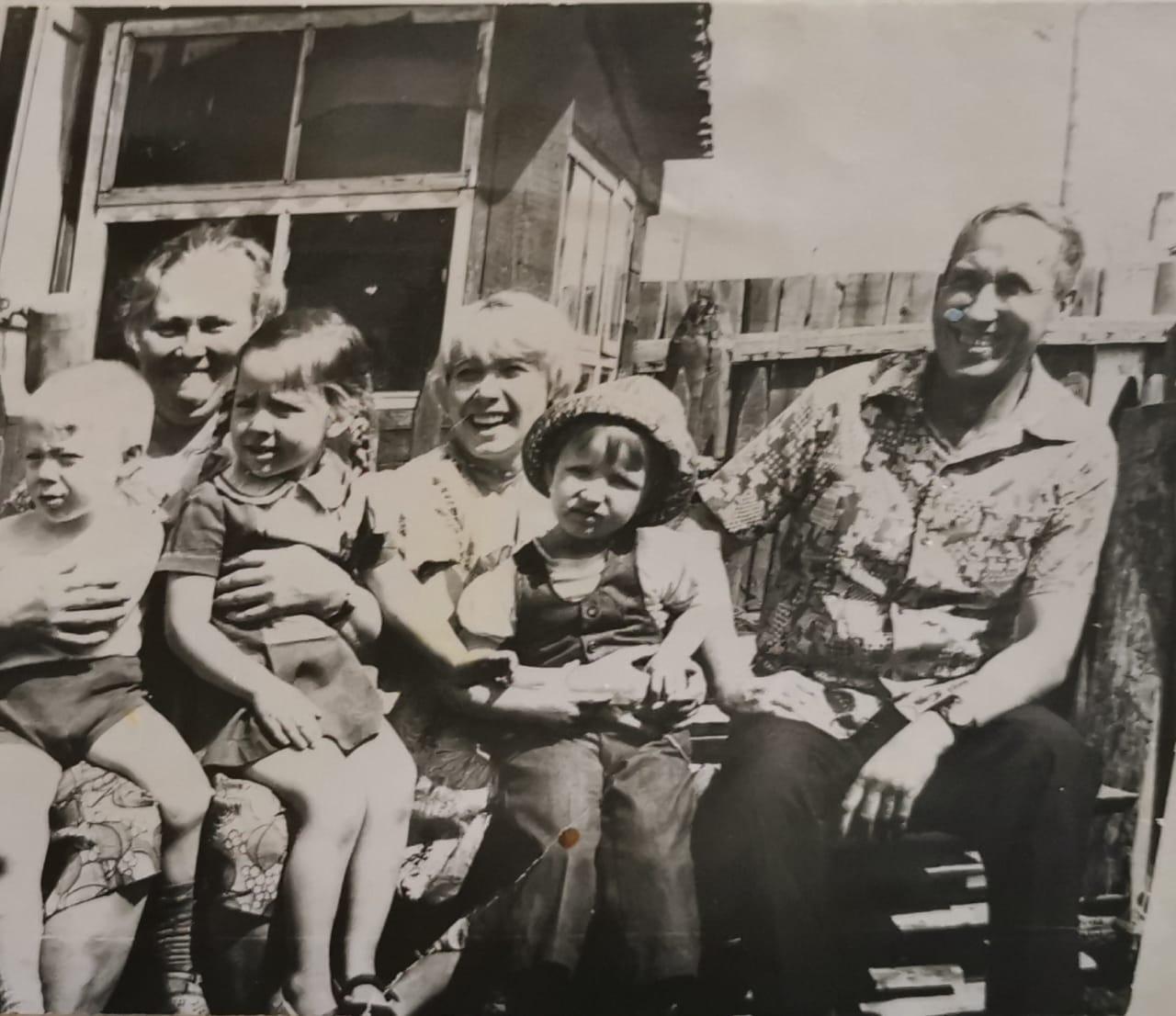 фото «Мне некуда идти»: под Новосибирском родственники выгнали из дома 89-летнюю пенсионерку 3
