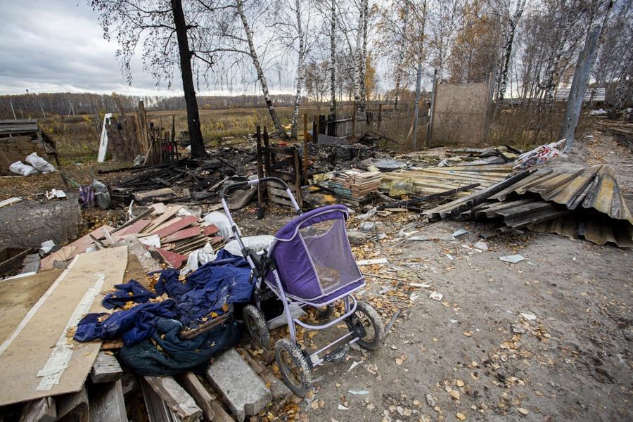 Фото «Выйдем, докажем, кто виноват»: родители сгоревших на пожаре под Новосибирском детей заявили о возможном поджоге 2