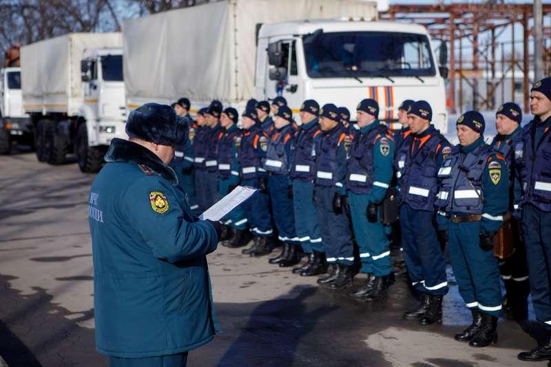 фото Новосибирские спасатели отправились в Барнаул на борьбу с паводком 4