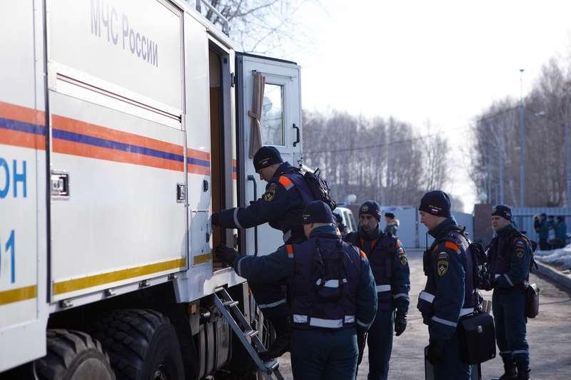 фото Новосибирские спасатели отправились в Барнаул на борьбу с паводком 5