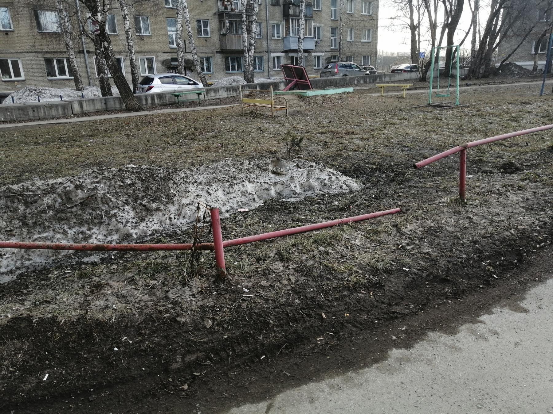 Фото «Одно неловкое движение – и ребёнок внизу»: под Новосибирском создают карту опасных мест после гибели 6-летнего мальчика 4
