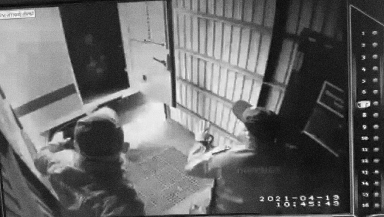 фото «Бежать должны были двое»: новые подробности стрельбы при побеге из суда в Новосибирске 3