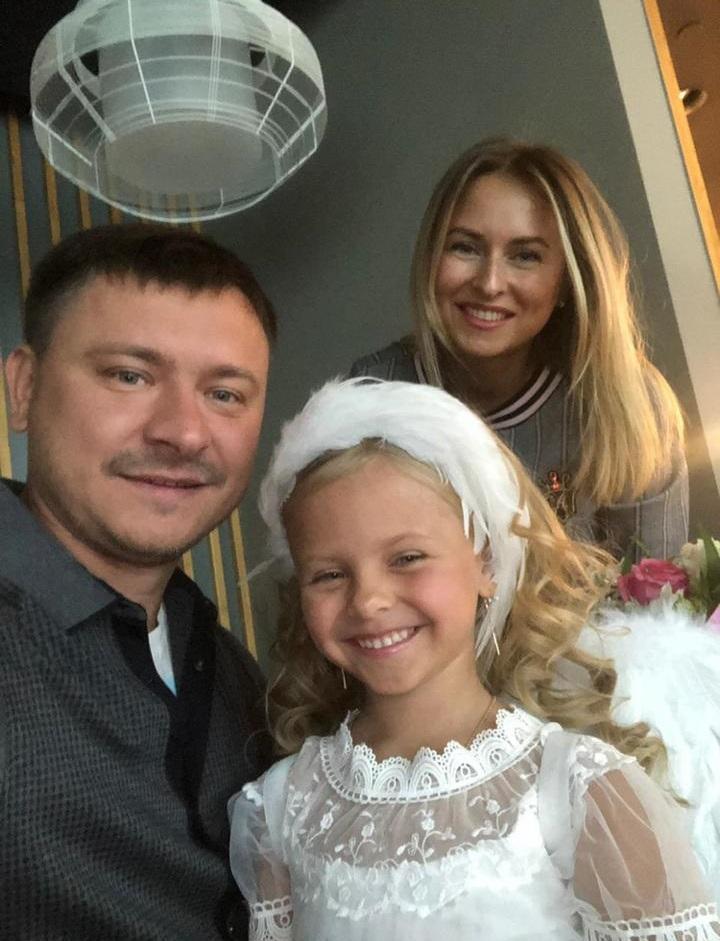 фото «Пришлось пропускать детский сад»: как 6-летняя девочка из Кузбасса завоевала титул «Маленькая Мисс России-2021» 10