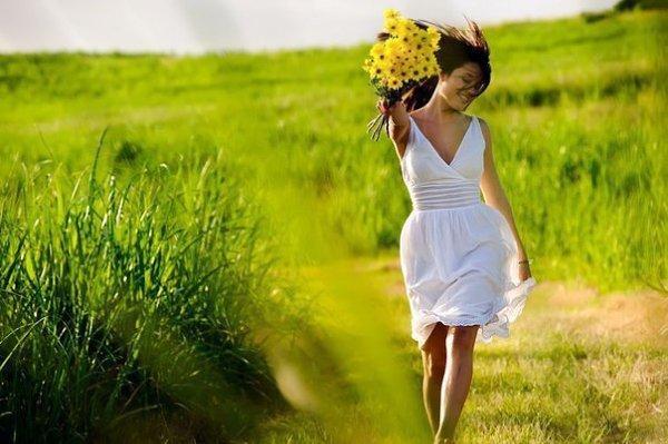 фото Желтый шарф и прогулки не помогут: специалисты развенчали мифы о весенней депрессии 2