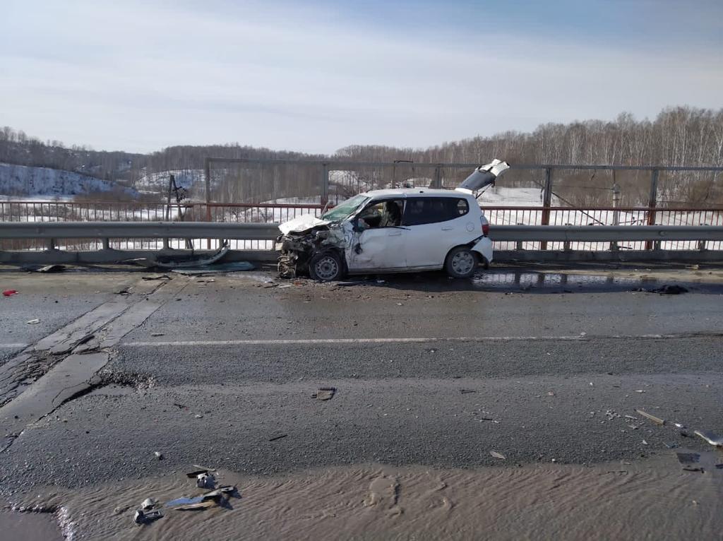 фото Число пострадавших в массовой аварии под Новосибирском выросло до шести 2