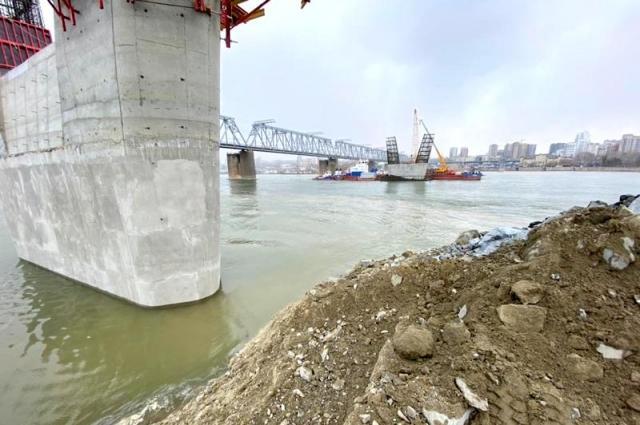 Фото Четвёртый мост в Новосибирске готовят к прохождению паводка 2