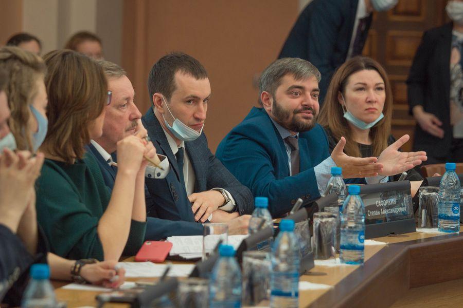 фото Внимание к проблемным участкам: депутаты горсовета обсудили насущные проблемы городского хозяйства 5