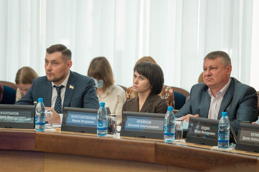 фото Внимание к проблемным участкам: депутаты горсовета обсудили насущные проблемы городского хозяйства 6