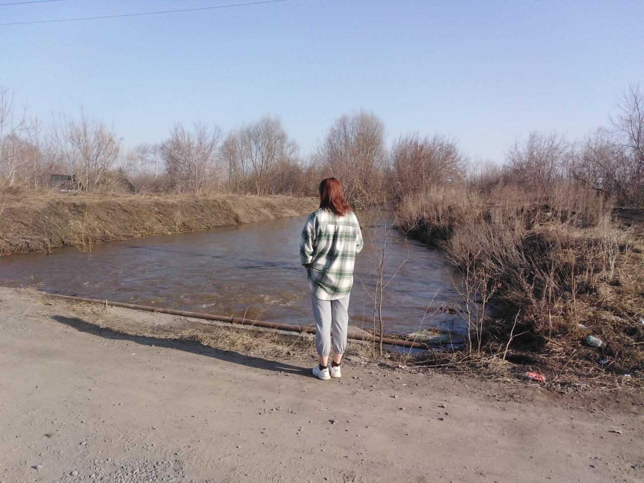 Фото «На место едут водолазы»: появились фото с места поисков 6-летнего Максима Фёдорова под Новосибирском 3