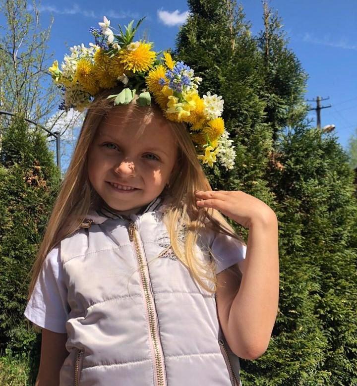 фото «Пришлось пропускать детский сад»: как 6-летняя девочка из Кузбасса завоевала титул «Маленькая Мисс России-2021» 8