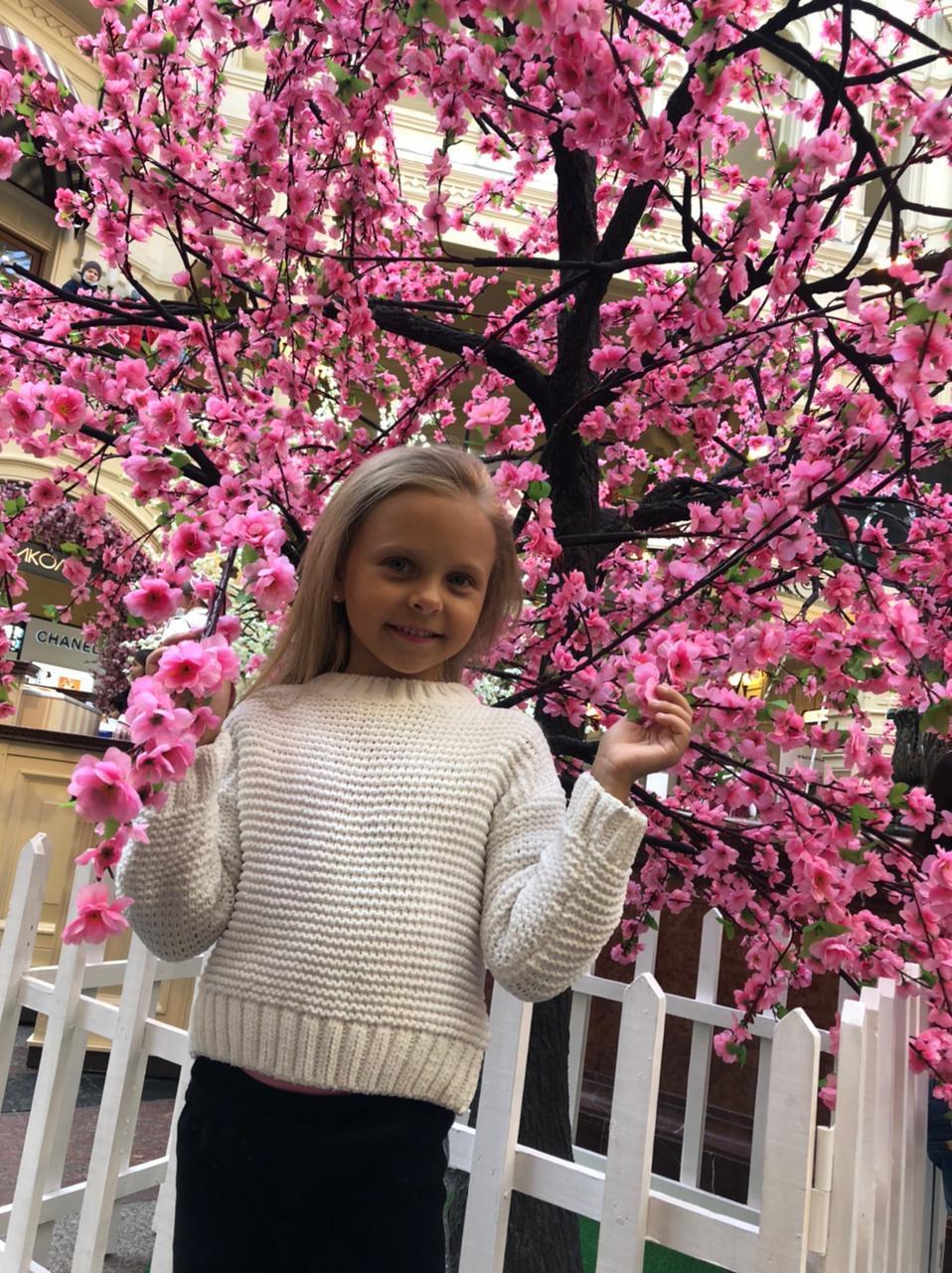 фото «Пришлось пропускать детский сад»: как 6-летняя девочка из Кузбасса завоевала титул «Маленькая Мисс России-2021» 3