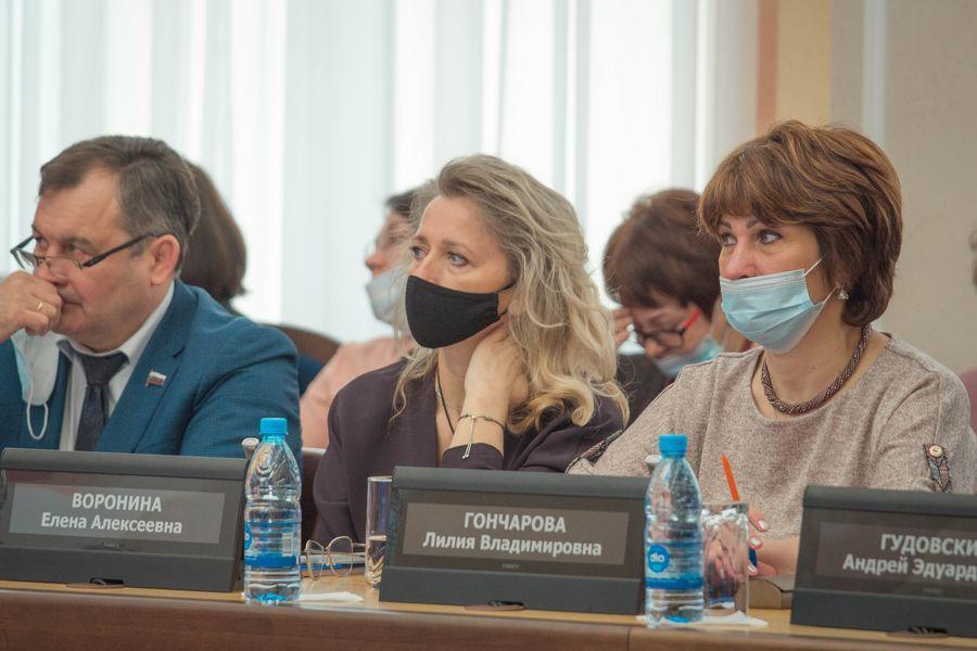 фото Внимание к проблемным участкам: депутаты горсовета обсудили насущные проблемы городского хозяйства 4