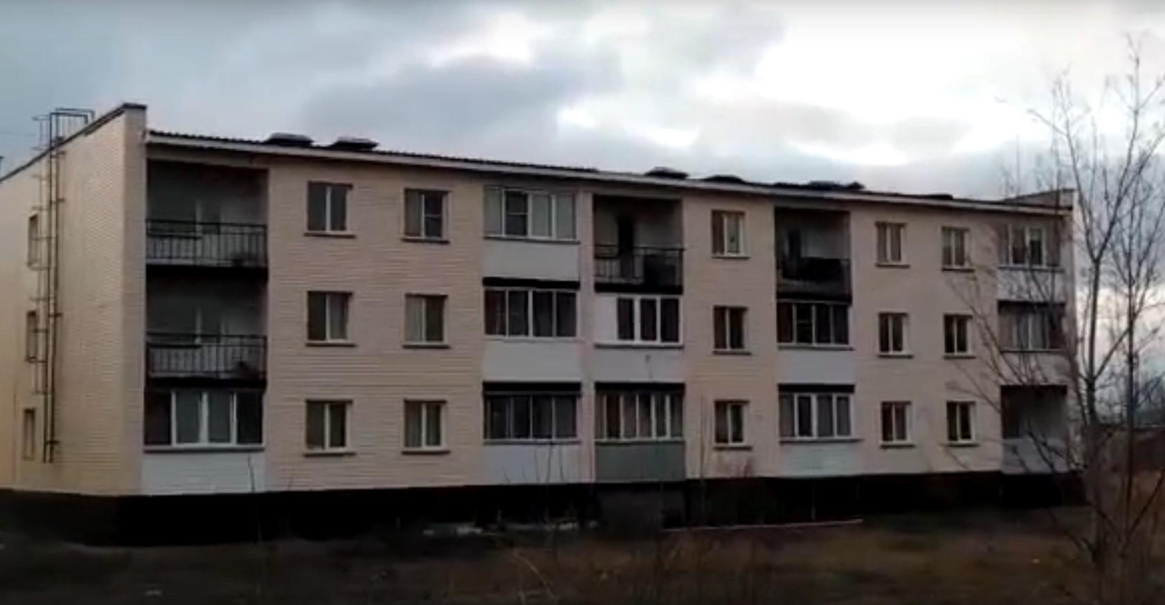 Фото Шквалистый ветер сорвал крышу с переходного моста и жилого дома под Новосибирском 2