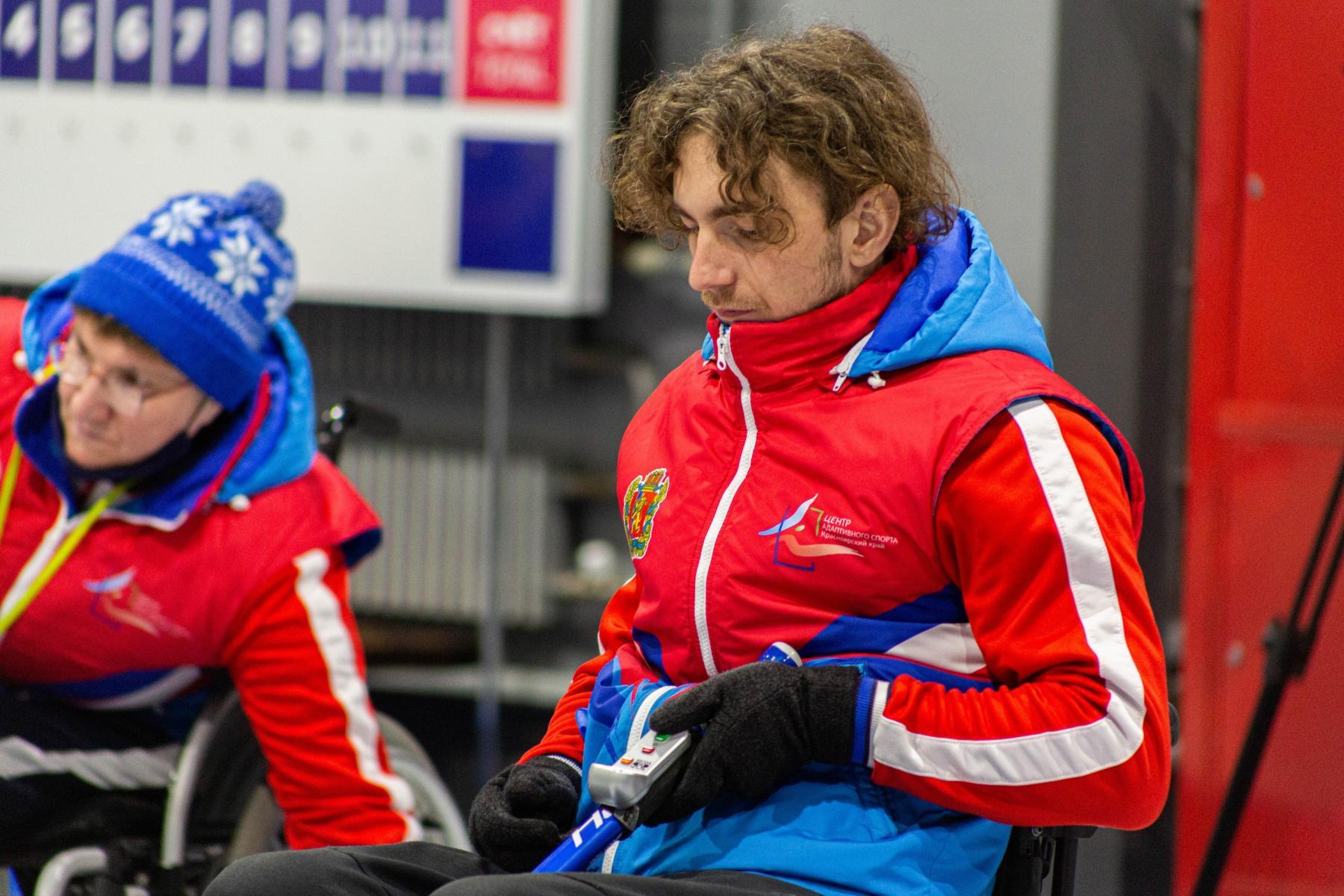 фото В Новосибирске прошли первые соревнования по кёрлингу на колясках 7