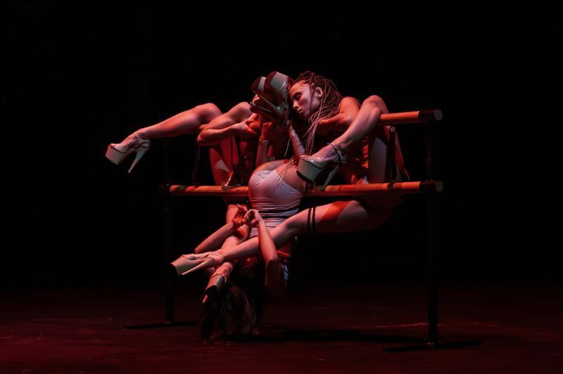 фото «Стрип – это искусство, а не «пошлость и раздевание»: Юлианна Кобцева из Новосибирска стала хореографом на ТНТ, вышла в финал Dance Revolution на Первом канале и создала свой спектакль 3