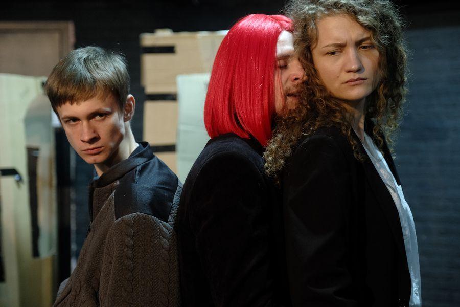 фото «Они все там тупые неудачники»: режиссёр Алексей Золотовицкий рассказал о премьере «Ромео и Джульетта» в Новосибирске 7
