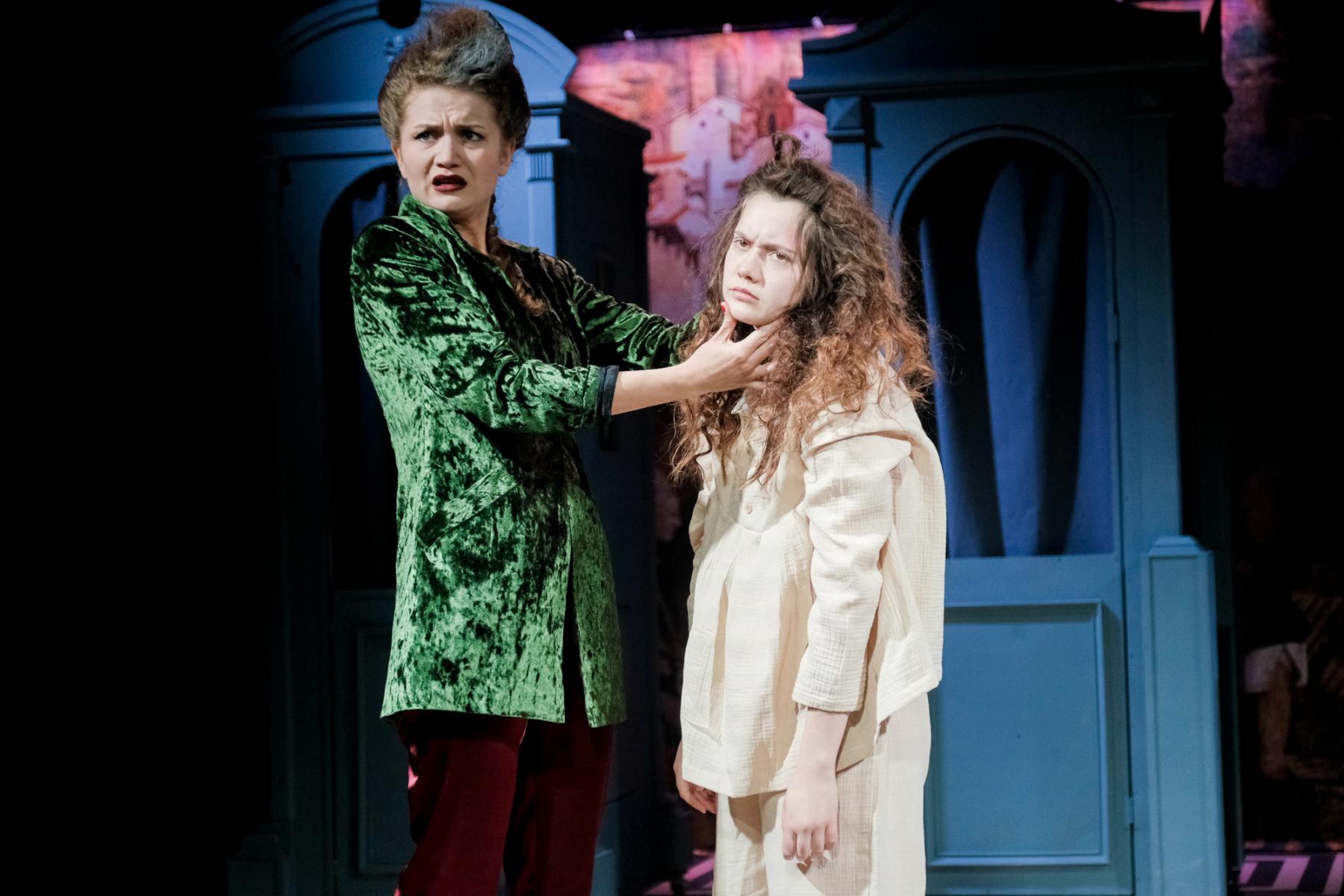 фото «Спектакль про детей, которые наворотили дел, и всё кончилось плохо»: остросюжетный детектив о Ромео и Джульетте показали в  «Первом театре» 3