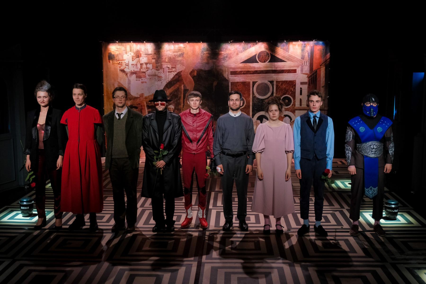 фото «Спектакль про детей, которые наворотили дел, и всё кончилось плохо»: остросюжетный детектив о Ромео и Джульетте показали в  «Первом театре» 8