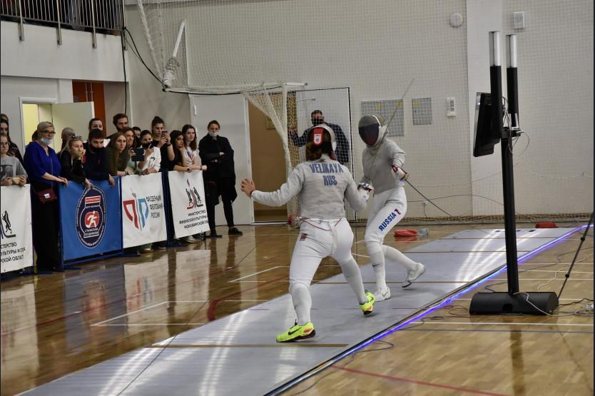 фото Чемпионат России по фехтованию стартовал в Новосибирске 2