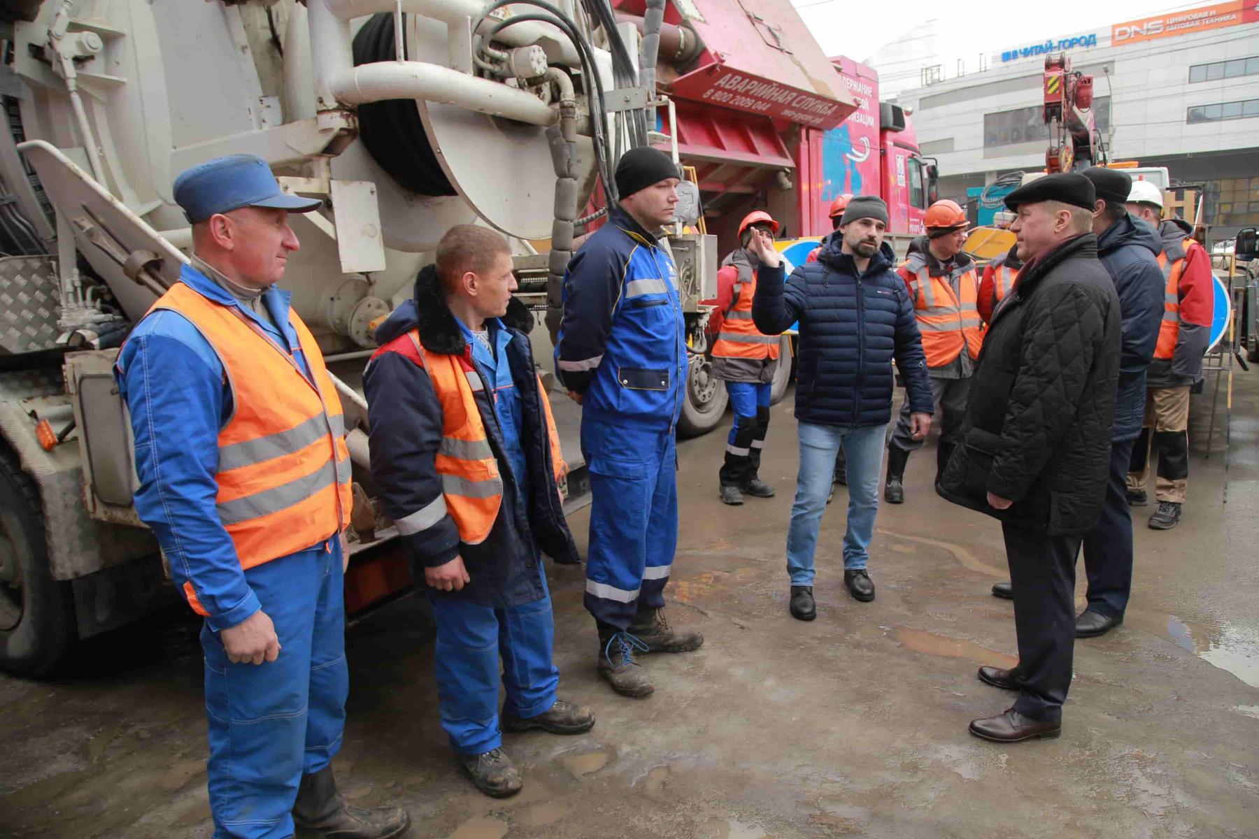 Фото Ливневую канализацию расконсервируют до конца недели в Новосибирске 2