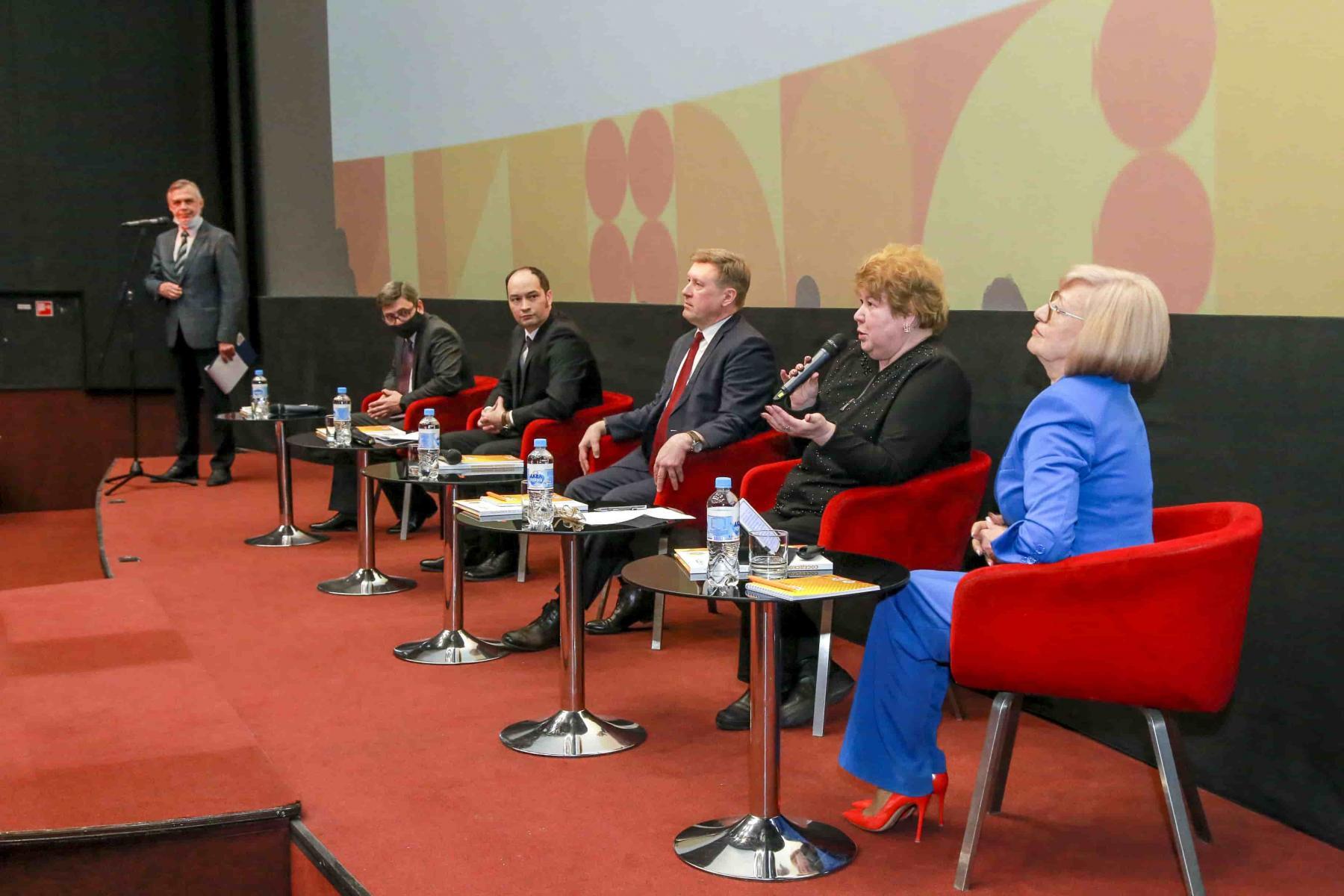фото Фильм и книгу выпустили в честь 20-летия работы ТОС в Новосибирске 2