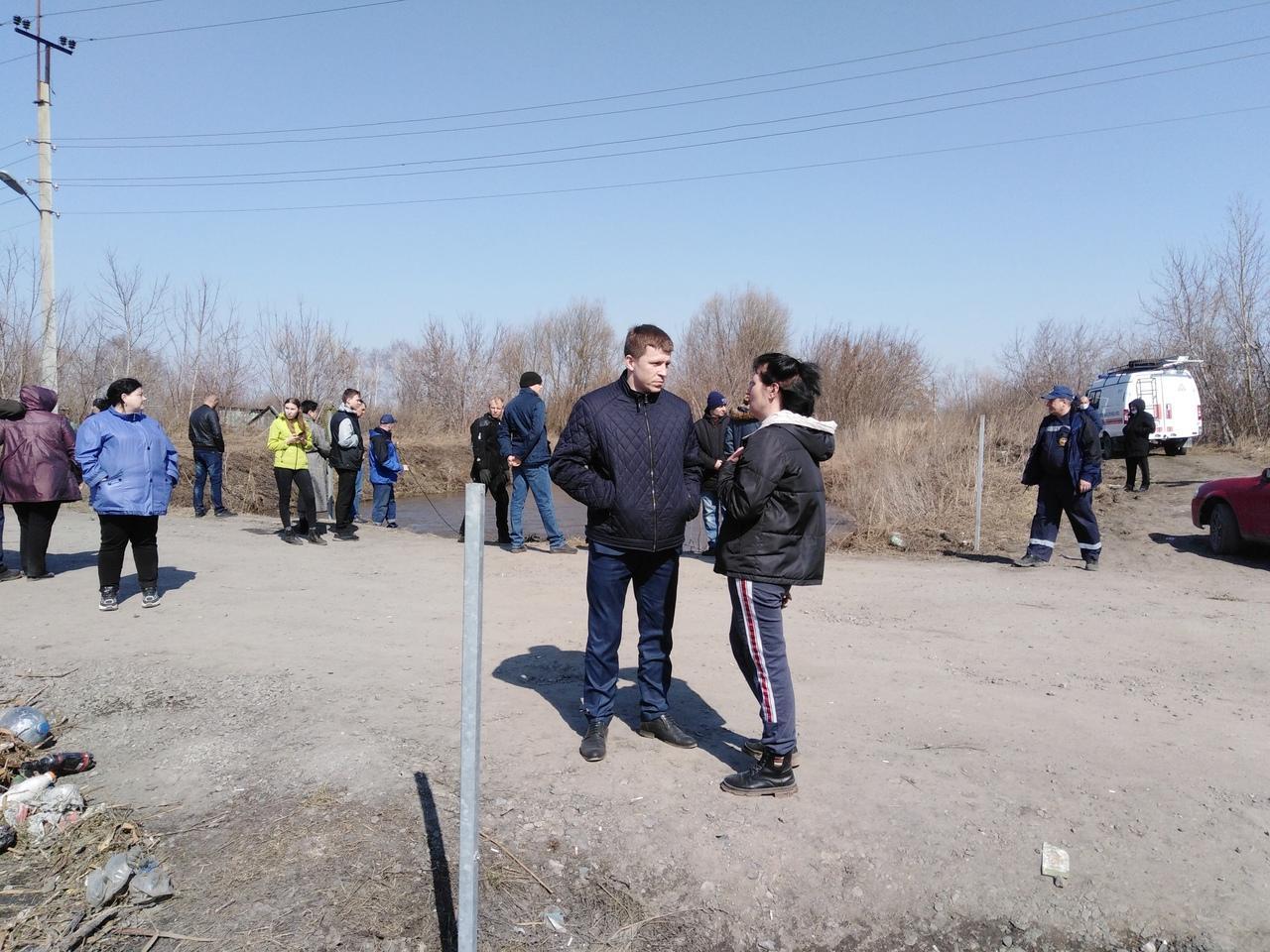 Фото Мать пропавшего под Новосибирском 6-летнего мальчика обвинила власти Оби в бездействии 2