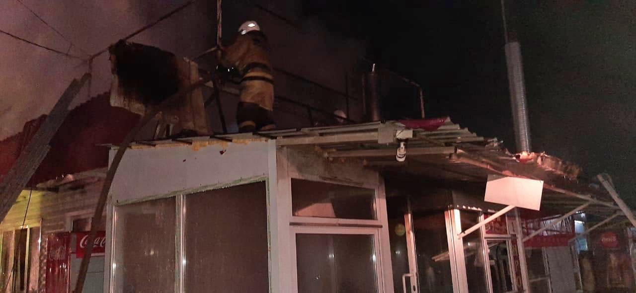 Фото В Кировском районе Новосибирска ночью горело кафе 2