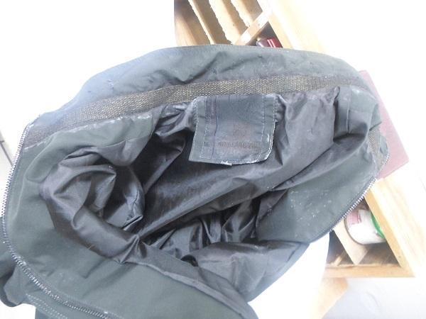 фото Куртку, пропитанную наркотиками, пытались передать в колонию в Новосибирске 2