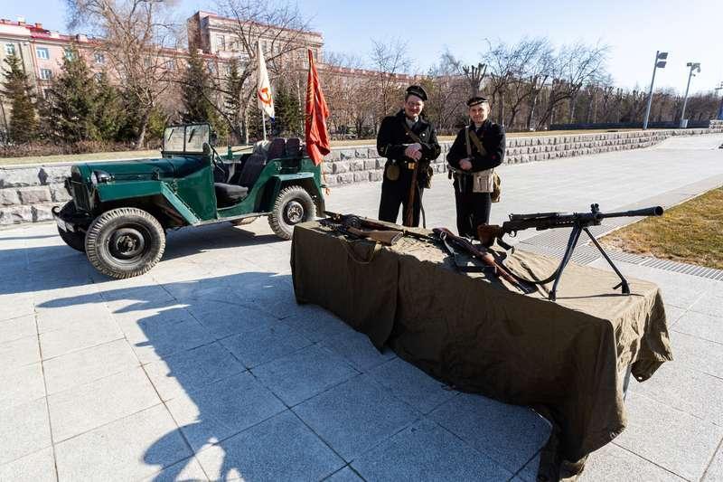 фото 72-я эстафета памяти воинов-сибиряков прошла в Новосибирске 10