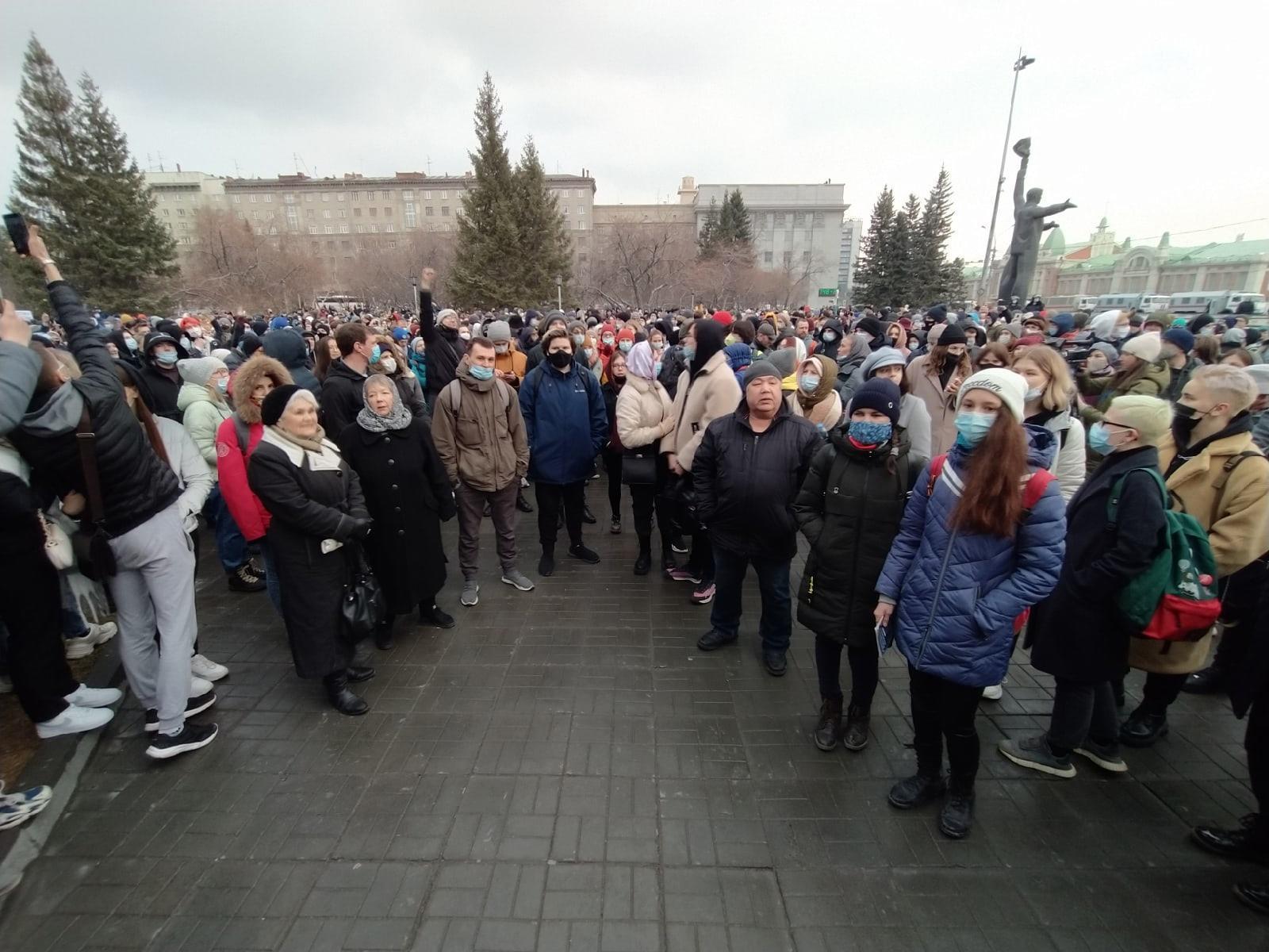 фото Послание Путина, смертельная драма у здания суда, митинг и выходные с 1 по 11 мая – итоги недели на Сиб.фм 7