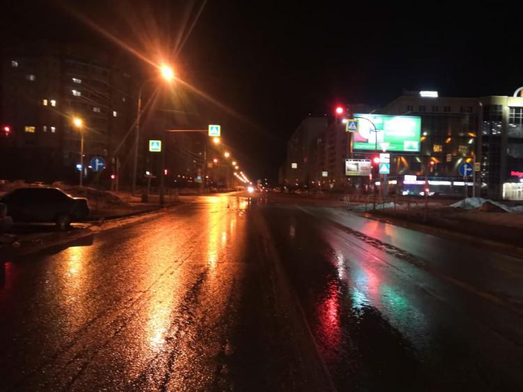 фото В Новосибирске водитель сбил двух 16-летних девушек на пешеходном переходе 2