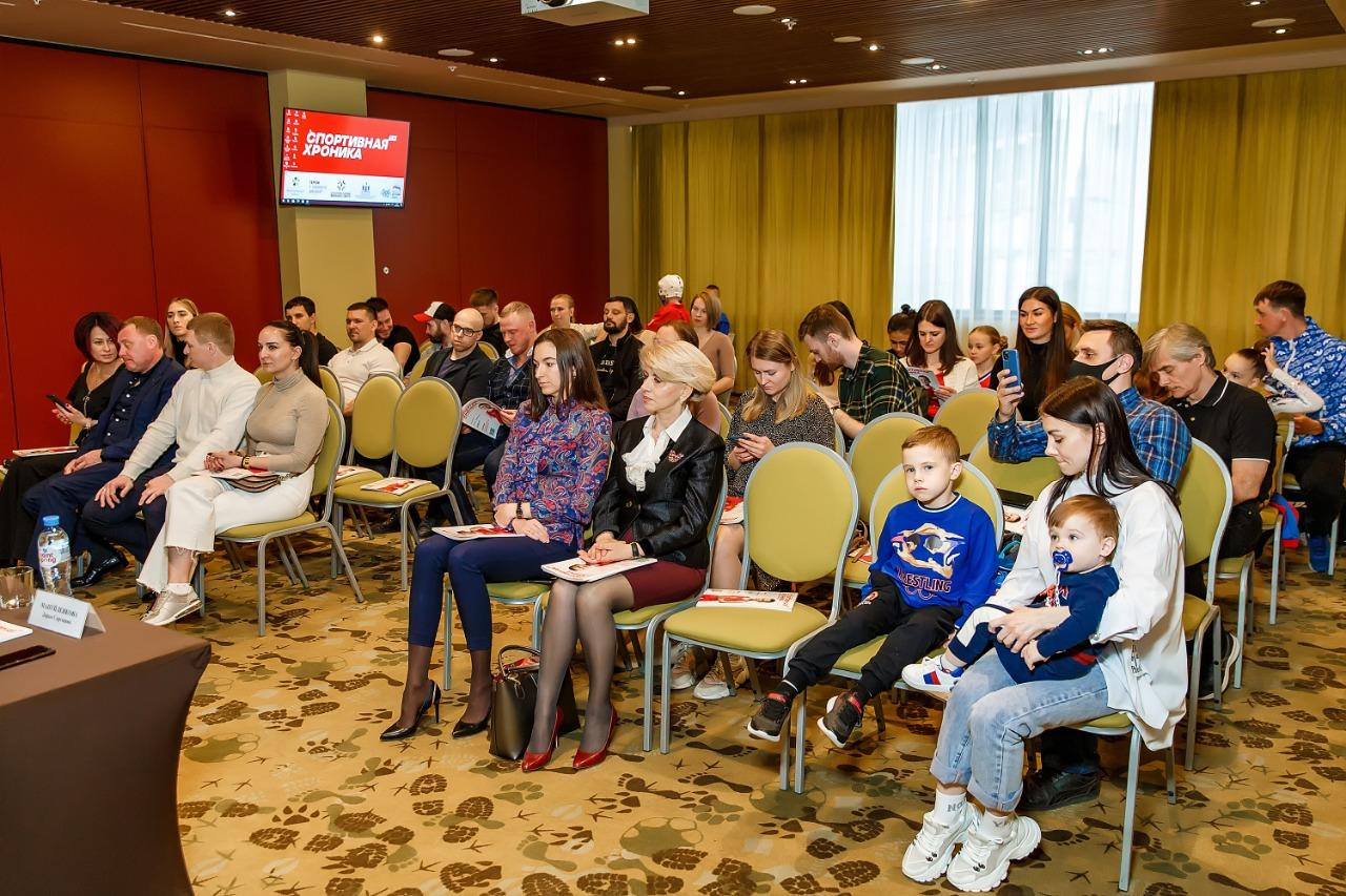 фото Министр спорта Новосибирской области: «Журнал «Спортивная хроника» будет отлично способствовать популяризации здорового образа жизни» 3