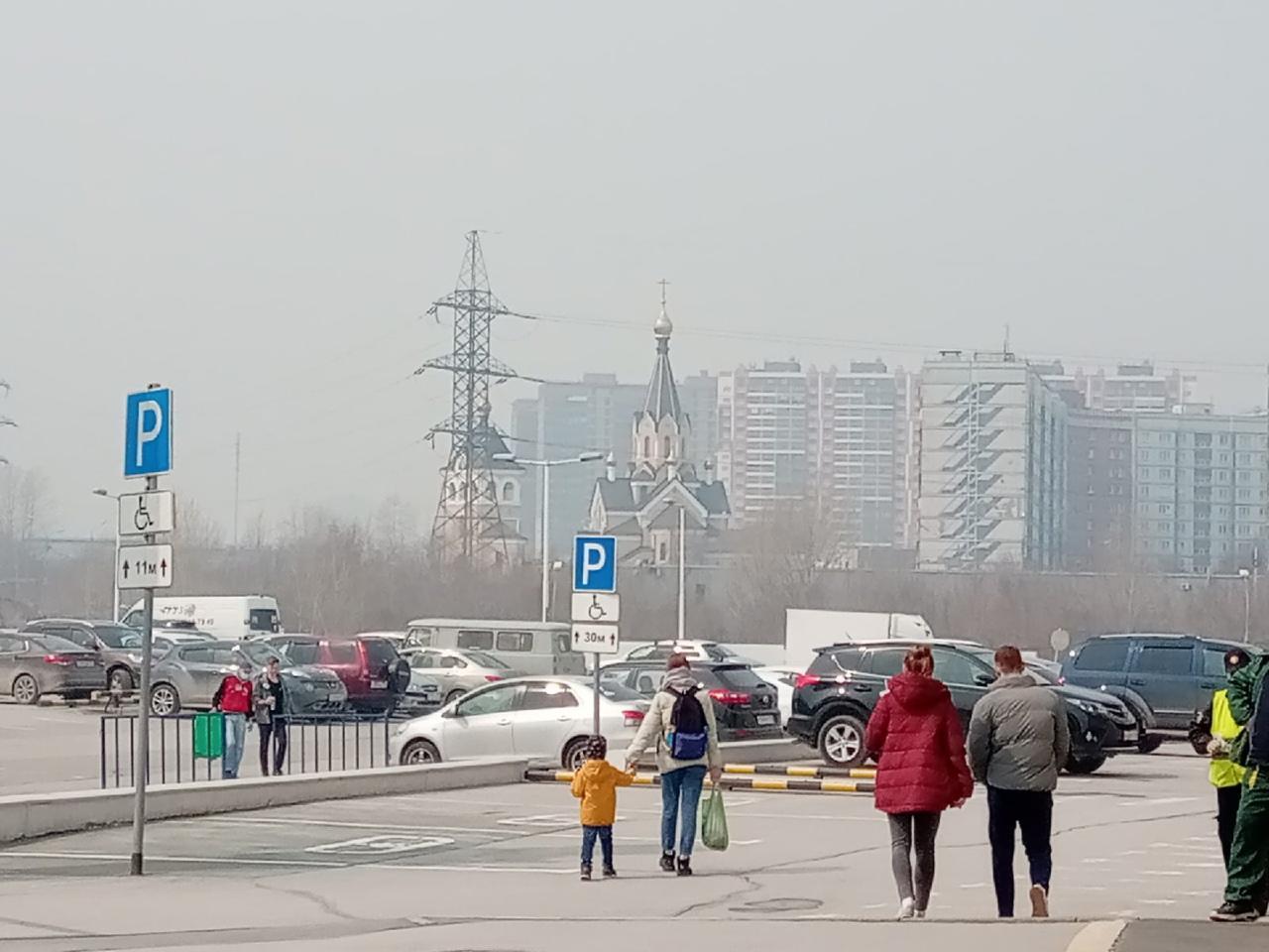 фото «Пыль столбом стоит – штрафовать нужно за такое»: 10 фото утонувшего в дыму Новосибирска 4
