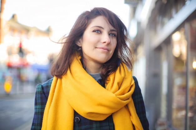 фото Желтый шарф и прогулки не помогут: специалисты развенчали мифы о весенней депрессии 3