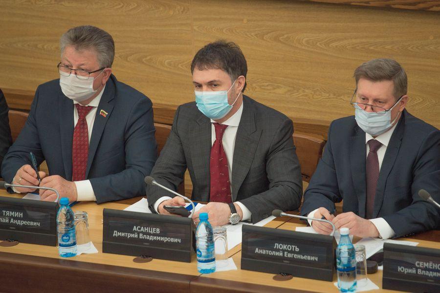 фото Внимание к проблемным участкам: депутаты горсовета обсудили насущные проблемы городского хозяйства 2