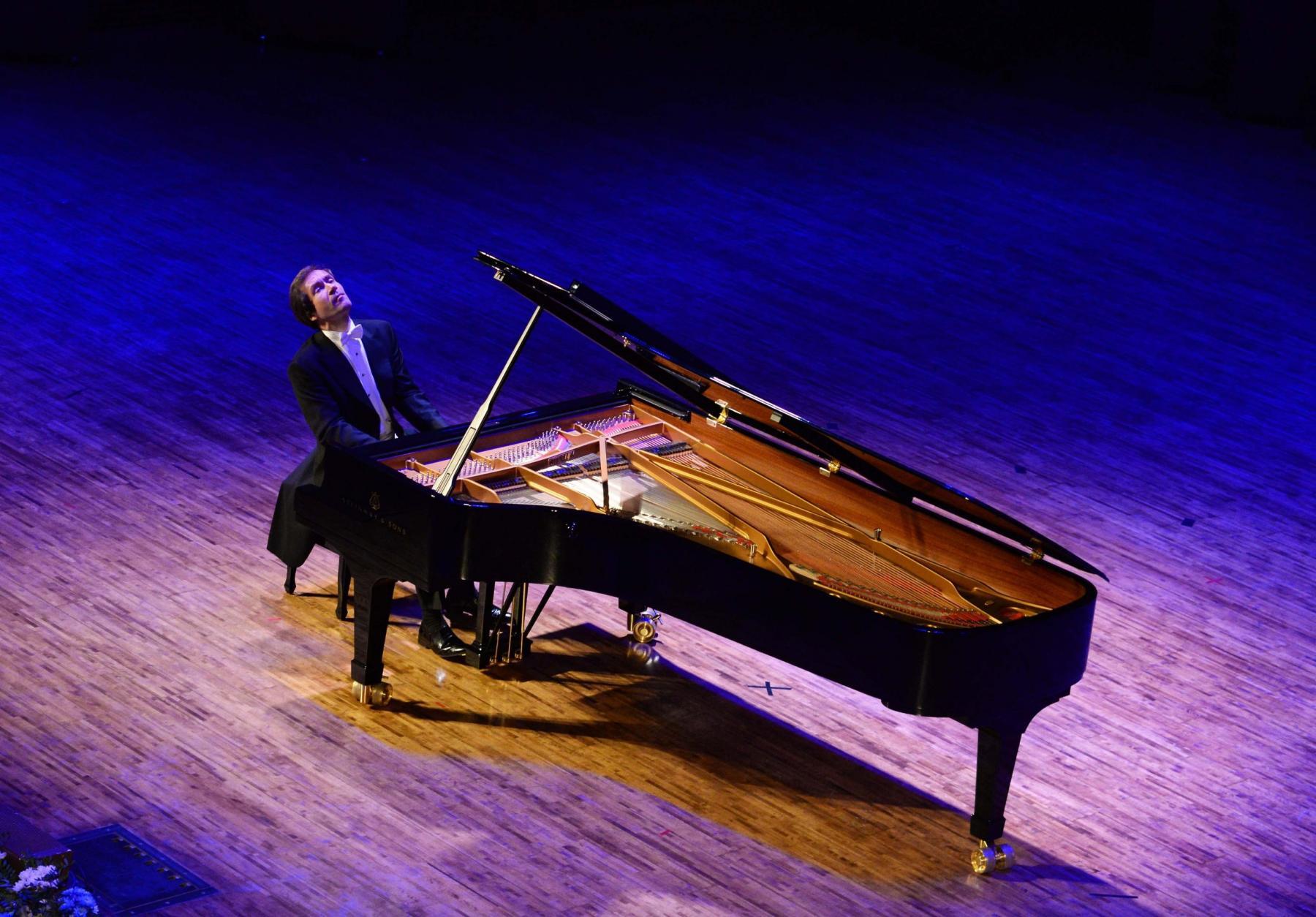 фото Николай Луганский выступит на сцене Новосибирской филармонии в рамках Транссибирского Арт-Фестиваля 2