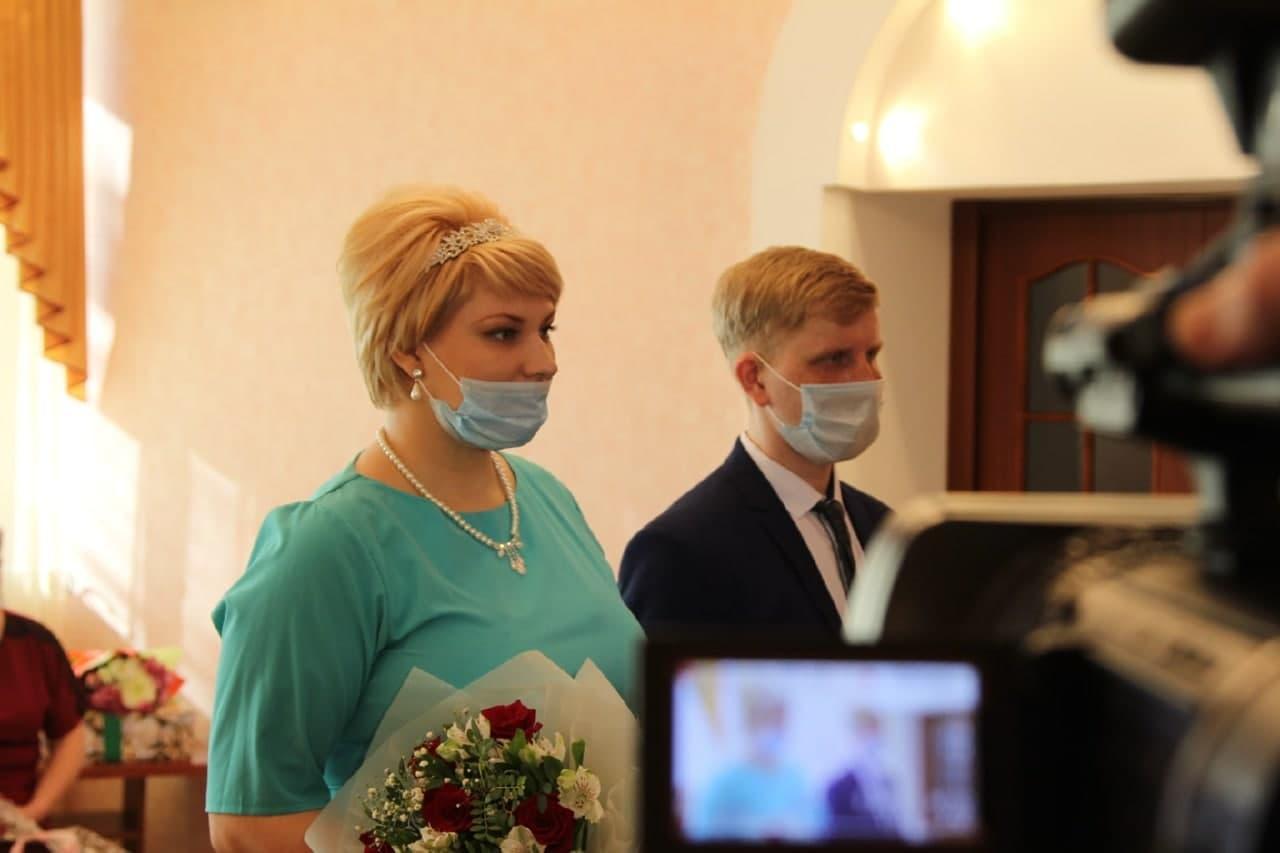 фото Пригласивший Путина на свадьбу новосибирец улетел с семьёй в Сочи 2