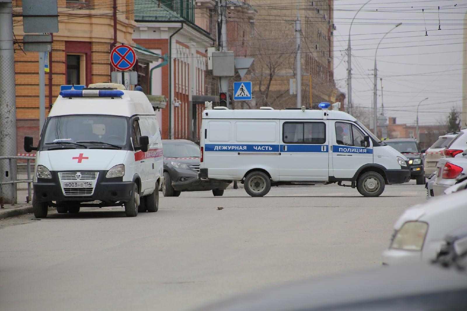 фото Учителям разрешили вернуться в школу после эвакуации в Новосибирске 4