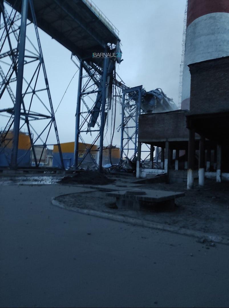 фото ЧП в Барнауле - на ТЭЦ-2 произошло обрушение дымовой трубы 3