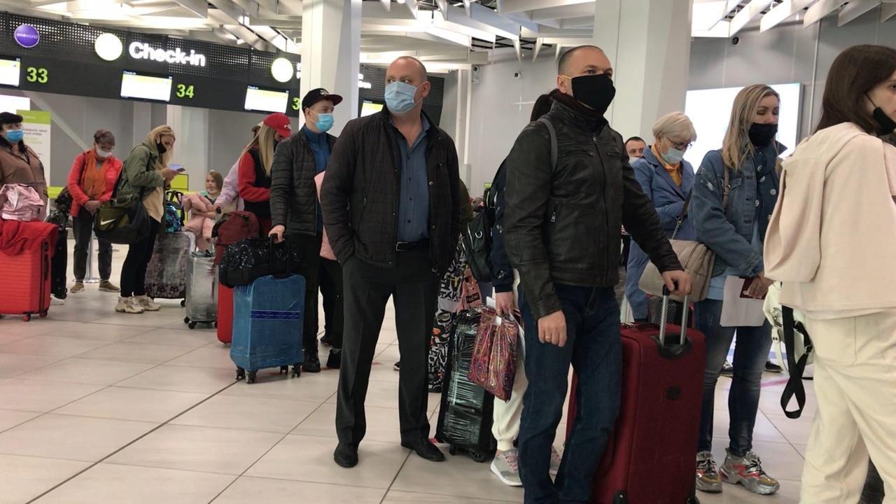 Фото «Россия нас не бросит»: сибиряки отправились в Турцию несмотря на ограничения полётов 2